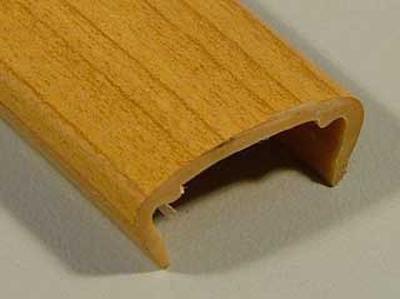 Профиль накладной С-16 жесткий декор вишня испанская 2,8м